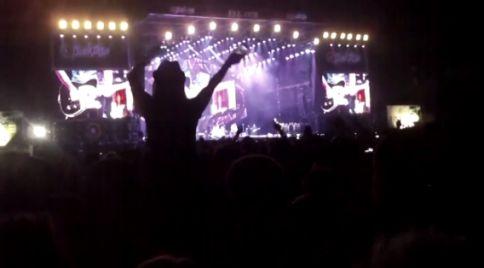 Publiek tijdens You Can't Always Get What You Want van The Rolling Stones op Pinkpop.