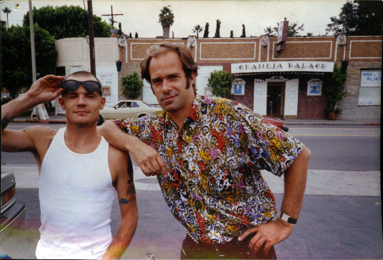 Bram van Splunteren (rechts) en bassist Flea van de Red Hot Chili Peppers in Los Angeles. Foto VPRO