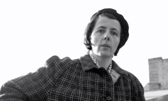 De Amerikaanse nanny-fotografe Vivian Maier, recent ontdekt als grote straatfotografe. Sinds vandaag heeft het Amsterdamse fotomuseum Foam een introductietentoonstelling over Maier.