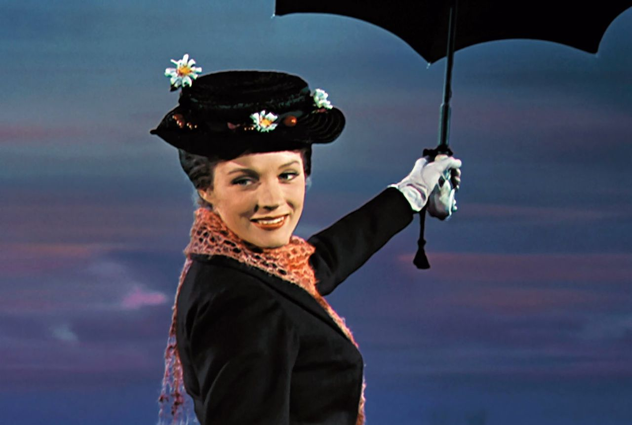 Julie Andrews als de nanny aller nanny's: Mary Poppins.