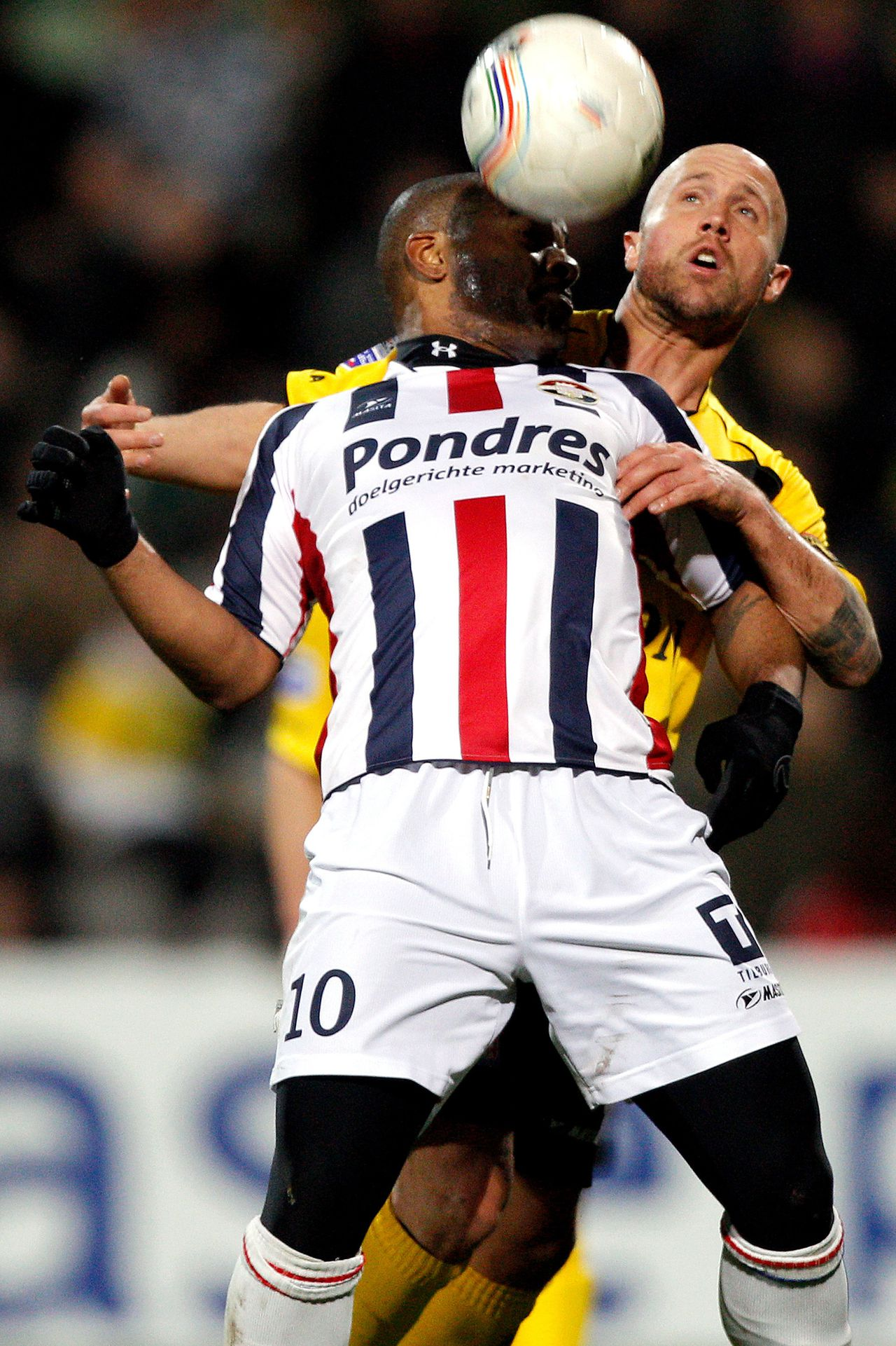 Onderwerp/Subject: VVV Venlo - Willem II - Eredivisie Reklame: Club/Team/Country: VVV Venlo - Willem II Seizoen/Season: 2010/2011 FOTO/PHOTO: VVV Venlo's Balazs TOTH ( Jozsef Balazs Toth ) (BEHIND) in duel with Willem II's Maceo RIGTERS (FRONT). (Photo by PICS UNITED) Trefwoorden/Keywords: #04 $38 ±1279289473015 Photo- & Copyrights © PICS UNITED P.O. Box 7164 - 5605 BE EINDHOVEN (THE NETHERLANDS) Phone +31 (0)40 296 28 00 Fax +31 (0) 40 248 47 43 http://www.pics-united.com e-mail : sales@pics-united.com (If you would like to raise any issues regarding any aspects of products / service of PICS UNITED) or e-mail : sales@pics-united.com ATTENTIE: Publicatie ook bij aanbieding door derden is slechts toegestaan na verkregen toestemming van Pics United. VOLLEDIGE NAAMSVERMELDING IS VERPLICHT! (© PICS UNITED/Naam Fotograaf, zie veld 4 van de bestandsinfo 'credits') ATTENTION: © Pics United. Reproduction/publication of this photo by any parties is only permitted after authorisation is sought and obtained from PICS UNITED- THE NETHERLANDS