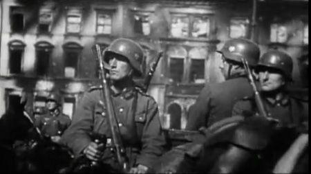 Fragment uit UFA-journaal in '39/40 La guerre des images' (Canvas)