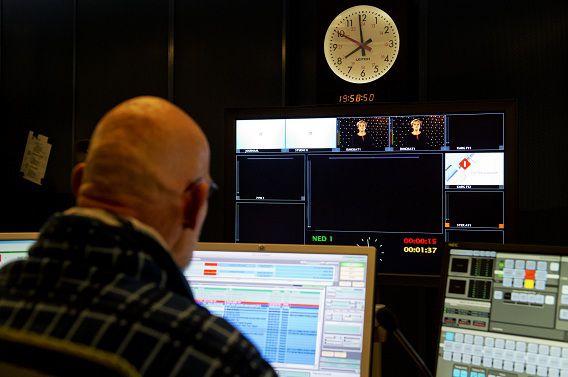 De controlekamer van de NPO op het Mediapark.