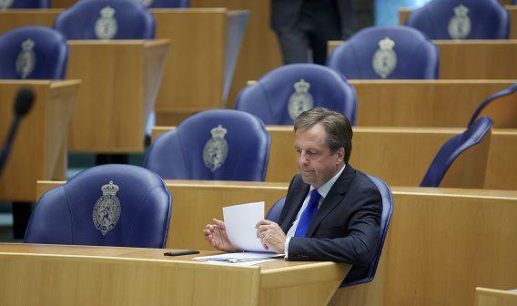 D66 wil minder bezuinigen dan het kabinet en pleit voor lastenverlichting.
