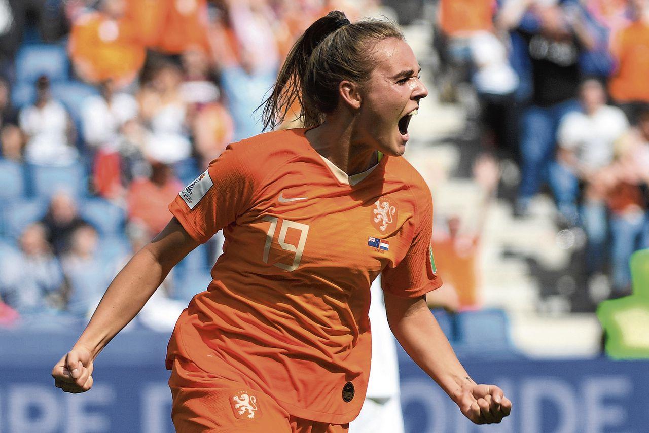 In de blessuretijd stond Jill Roord precies op de goede plek om Oranje alsnog de overwinning te bezorgen.