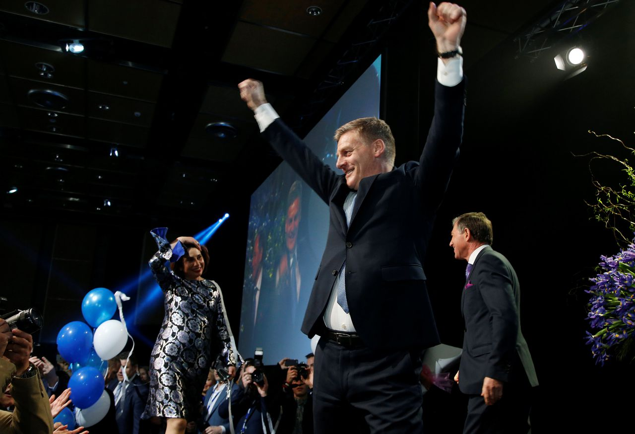 Premier Bill English eist de verkiezingswint op.
