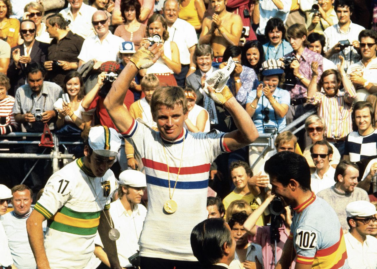 Hennie Kuiper won in 1972 de olympische wegrace in München. Ruim veertig jaar later is er een boek over zijn carrière.