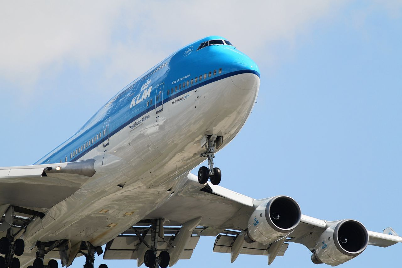 Boeing 747-400 landt op Chicago O'Hare Airport vanuit Amsterdam.