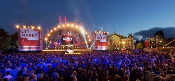 De Amsterdamse Uitmarkt, vorig jaar. Dit weekend opent weer het culturele seizoen, de aftrap is elk jaar met talloze optredens in de hoofdstad.