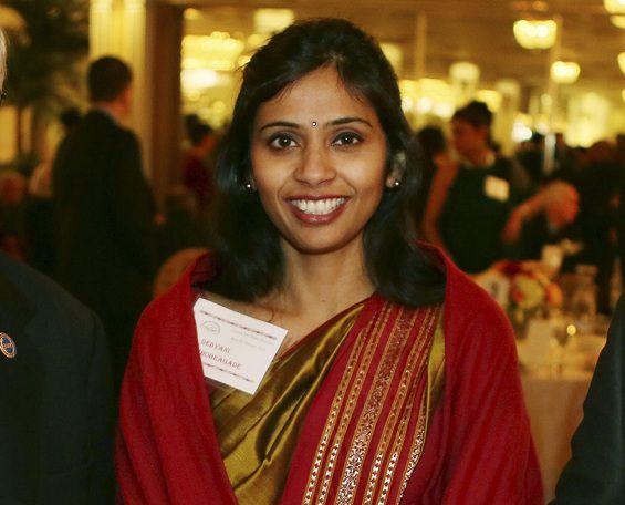 Devyani Khobragade begin deze maand op een fondsenwervingsbijeenkomst aan de Stony Brook University op Long Island, New York. De diplomaat is na haar arrestatie onderwerp geworden van een diplomatieke ruzie tussen de VS en India.