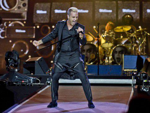 Headliner en afsluiter van de zaterdag: Robbie Williams op Pinkpop.