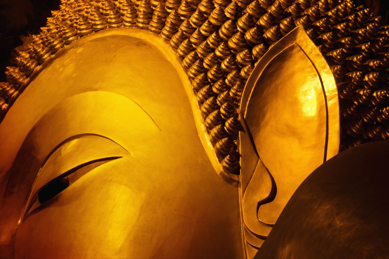 Temple of Reclining Buddha --- Image by © Bruno Ehrs/Corbis