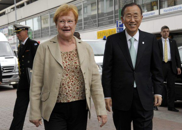 Finnish President Tarja Halonen walks with U.N. Secretary General Ban Ki-moon (R) during the Suomi Areena discussion forum in Pori July 15, 2011. REUTERS/Sari Gustafsson/Lehtikuva (FINLAND - Tags: POLITICS) THIS IMAGE HAS BEEN SUPPLIED BY A THIRD PARTY. IT IS DISTRIBUTED, EXACTLY AS RECEIVED BY REUTERS, AS A SERVICE TO CLIENTS. NO THIRD PARTY SALES. NOT FOR USE BY REUTERS THIRD PARTY DISTRIBUTORS. FINLAND OUT. NO COMMERCIAL OR EDITORIAL SALES IN FINLAND. NO COMMERCIAL USE