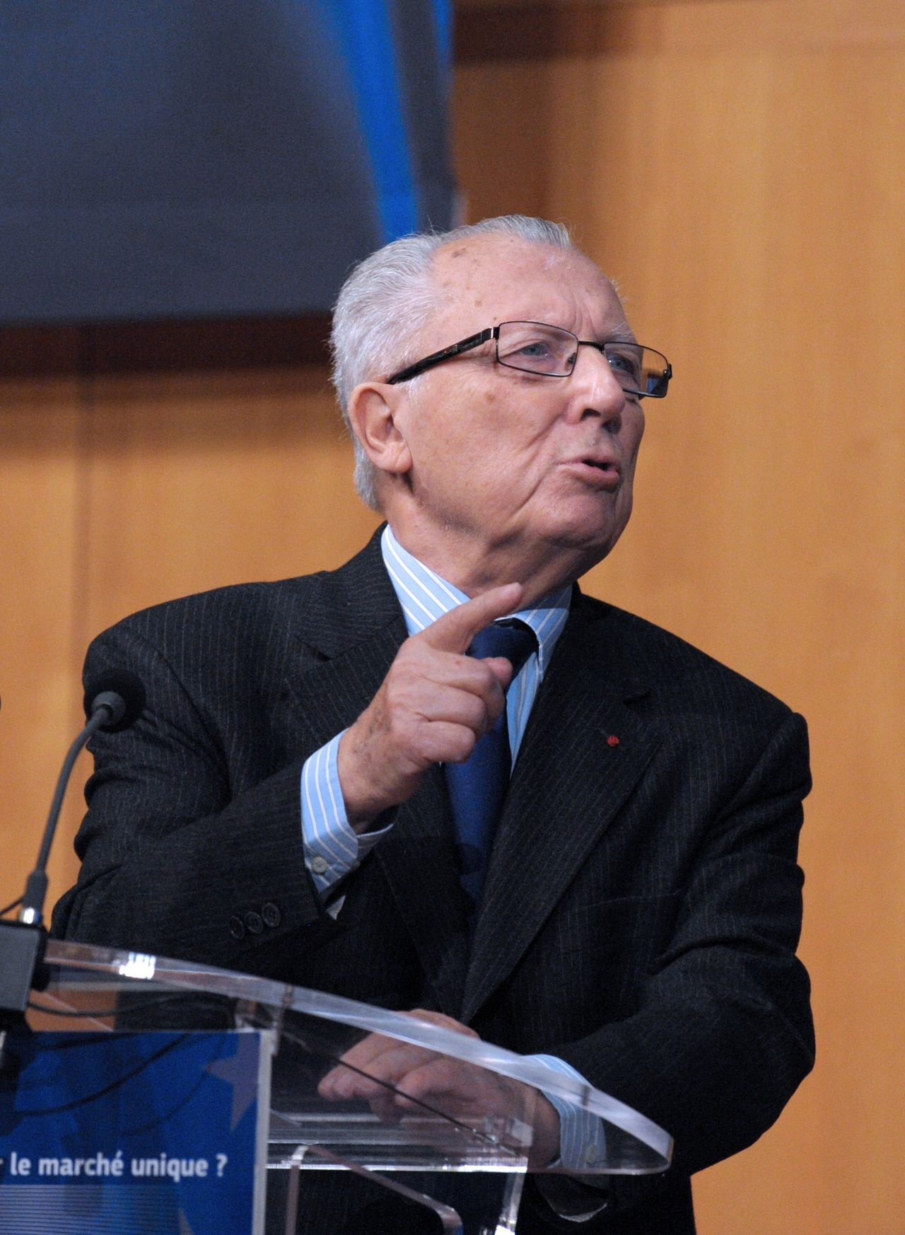 Former European Commission Chief, French Jacques Delors, delivers a speech during a conference on the competitiveness of the French economy, at the Economy ministry in Paris, on November 6, 2012. The conference comes as French governement holds a seminar after Louis Gallois, former head of the French SNCF railways and of the EADS aerospace, issued a report calling for for a 30-billion-euro reduction in labour costs.AFP PHOTO ERIC PIERMONT