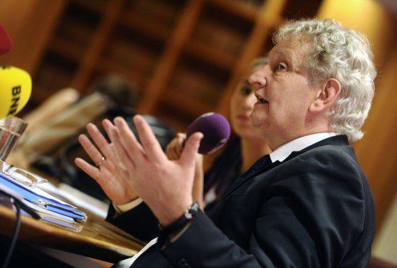 Burgemeester Eberhard van der Laan tijdens een persconferentie na de uitspraak van de bestuursrechter over de sinterklaasintocht.