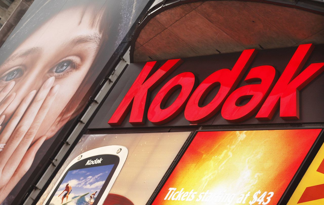 A Kodak screen is seen at Times Square in New York January 13, 2012. Shares of Kodak fell 7.2 cents to 60 cents in after-hours trading following the report that Eastman Kodak Co is in advanced talks with Citigroup Inc to obtain financing that would be used if the money-losing photography company files for bankruptcy protection. REUTERS/Eduardo Munoz (UNITED STATES - Tags: BUSINESS SCIENCE TECHNOLOGY)