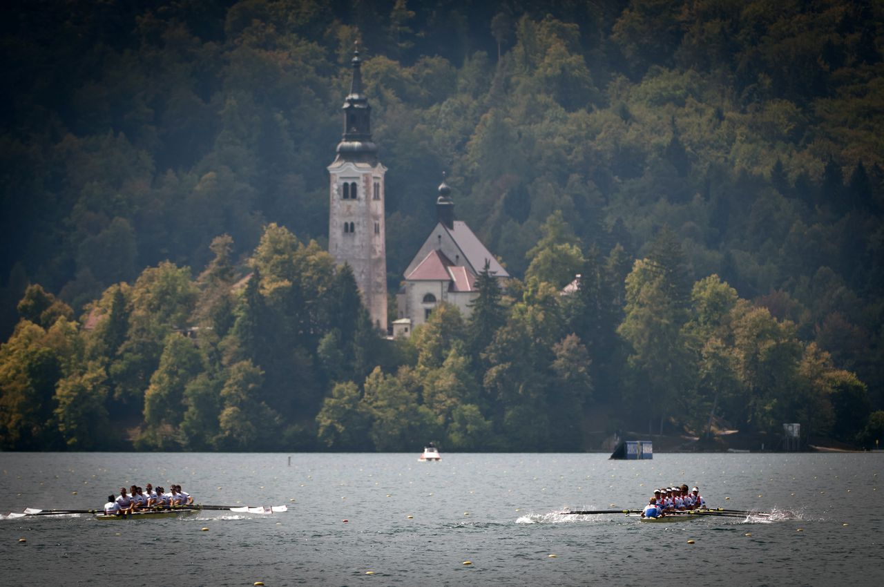Great Britain's and Nederland's men's eight teams compete in the final race during day five of the FISA Rowing World Championships at Lake Bled on September 1, 2011 in Bled, Slovenia. AFP PHOTO