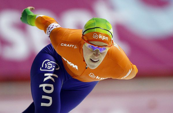 Ireen Wust, from the Netherlands, skates to victory during the 1,500 meters at the women's all-around speedskating championships Sunday, Feb. 13, 2011, in Calgary, Alberta. (AP Photo/The Canadian Press, Jeff McIntosh)