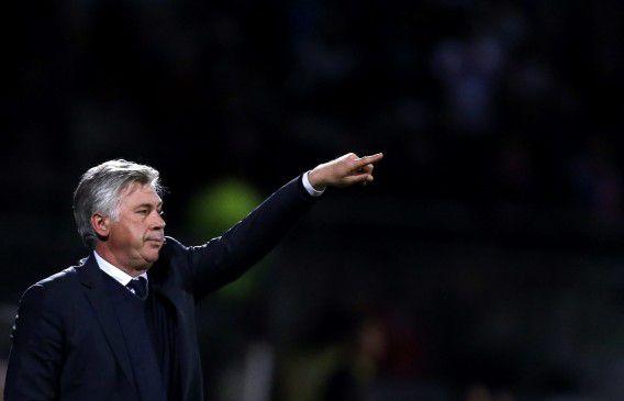Carlo Ancelotti, hier afgelopen mei als coach van Paris Saint-Germain nog. Hij vertrekt nu naar Real Madrid om voor drie jaar de trainer te zijn van de 'Koninklijke'.