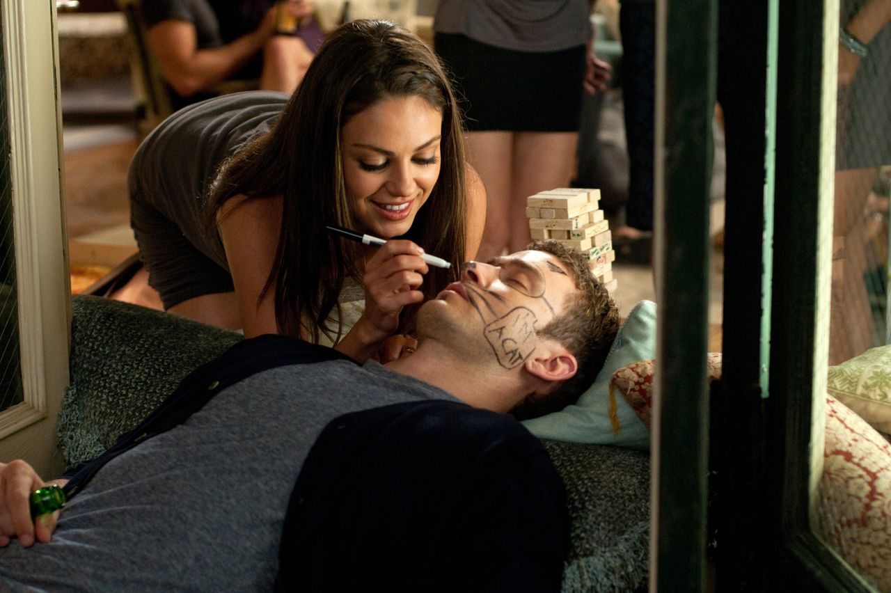 "scene uit de film Friends With Benefits (2011) FOTO: Sony Pictures Mila Kunis as ""Jamie"" and Justin Timberlake as ""Dylan"" in Screen Gems' FRIENDS WITH BENEFITS."