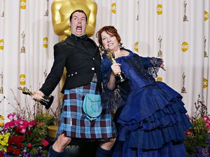 Mark Andrews en Brenda Chapman kregen voor 'Brave' een Oscar voor best animated feature film.