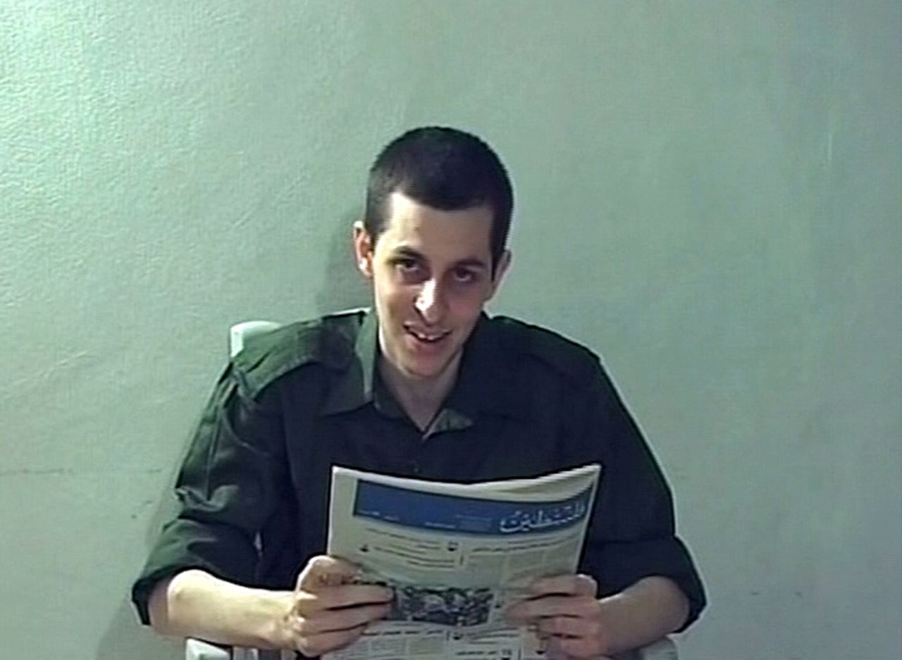 Captured Israeli soldier Gilad Shalit is seen in this file still image from video released October 2, 2009 by Israeli television. A deal to exchange Palestinian prisoners for Israeli soldier Gilad Shalit will take place next month, Al Arabiya television channel reported on October 11, 2011. REUTERS/Handout/Files (POLITICS CIVIL UNREST) FOR EDITORIAL USE ONLY. NOT FOR SALE FOR MARKETING OR ADVERTISING CAMPAIGNS