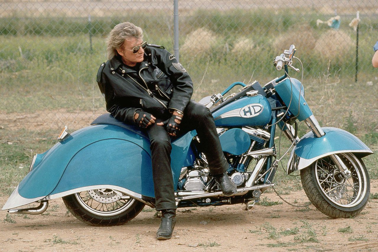 Johnny Hallyday tijdens de opname van de videoclip bij 'Can't Stop Wanting You', 1995