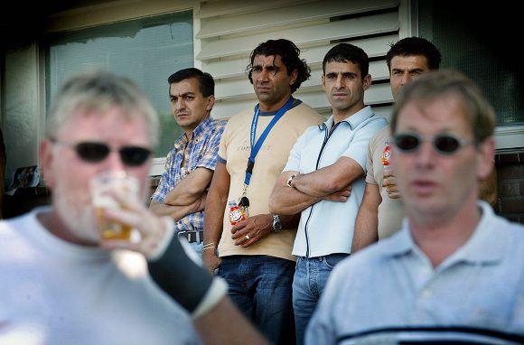 07-06-2003, AMSTERDAM. PUBLIEK BIJ DE WEDSTRIJD OM HET NEDERLANDS KAMPIOENSCHAP TUSSEN FC TURKIYEMSPOR EN SV HUIZEN. FOTO BAS CZERWINSKI
