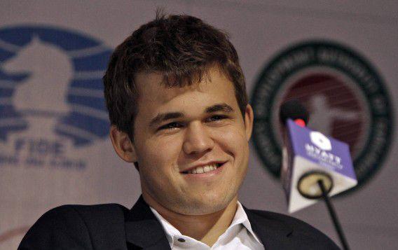 Magnus Carlsen tijdens een persconferentie eerder tijdens de tweekamp met Anand.