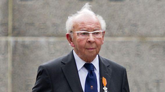 Oud-marinier Albert Hoeben is in het Limburgse Stramproy overleden (foto uit 2010).
