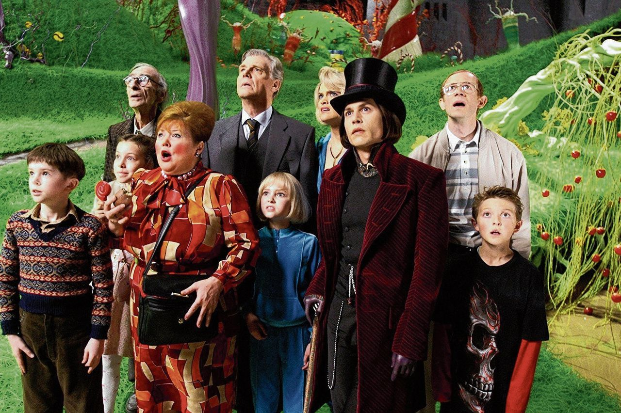Charlie and the Chocolate Factory (Tim Burton, 2005) was de tweede verfilming van het boek van Roald Dahl. In 1971 verscheen Willy Wonka & the Chocolate Factory (Mel Stuart).