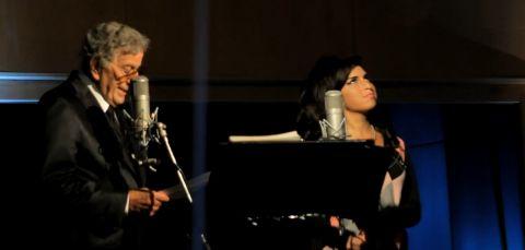 Tony Bennett met Amy Winehouse. Beeld Youtube / TonyBennettVevo