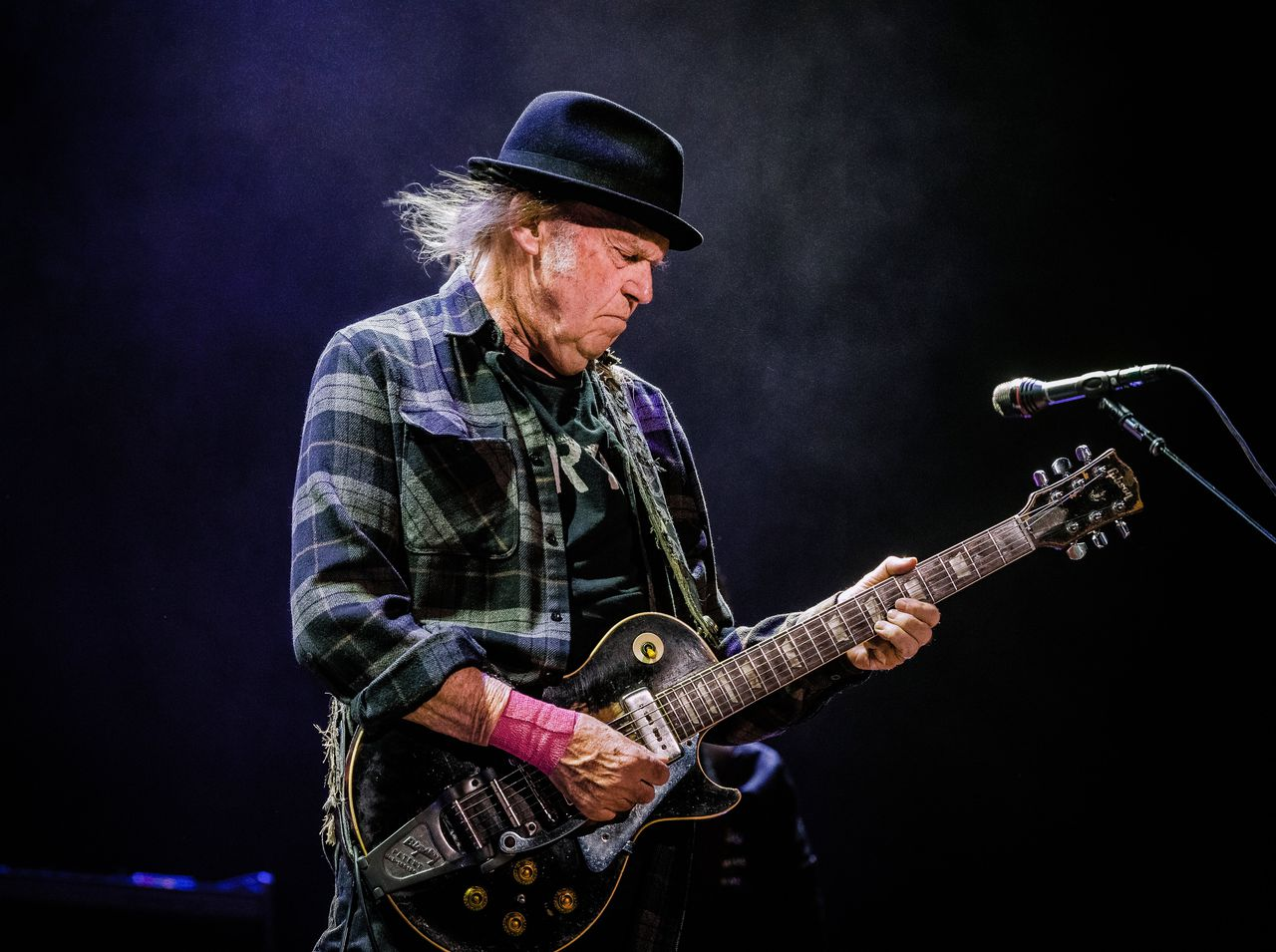 Neil Young met begeleidingsband Promise of the Real in de Ziggo Dome.