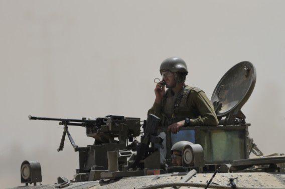 Israëlische militairen keren terug uit de Gazastrook.