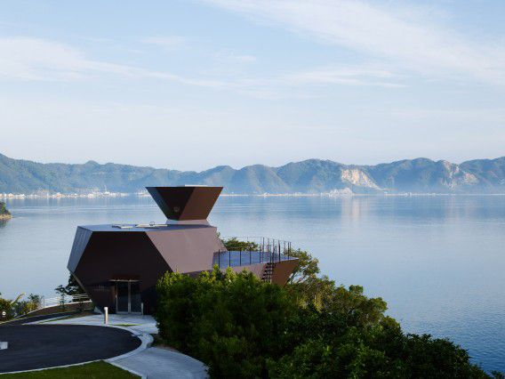 Het Toyo Ito Museum voor Architectuur in Imabari-shi, Ehime, Japan. Foto Courtesy of Toyo Ito and Associates / Daici Ano