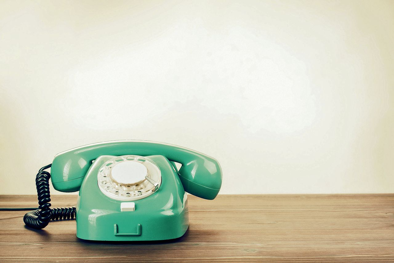 Vintage telefoon, geïnspireerd op een PTT-toestel uit de jaren zestig.