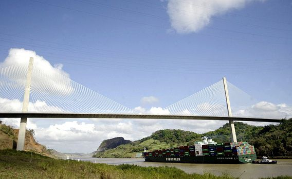 Het Panamakanaal, de doorgang tussen de Atlantische en de Grote Oceaan wordt verbreed om de waterweg ook geschikt te maken voor grote containerschepen. Nicaragua heeft een alternatief plan.