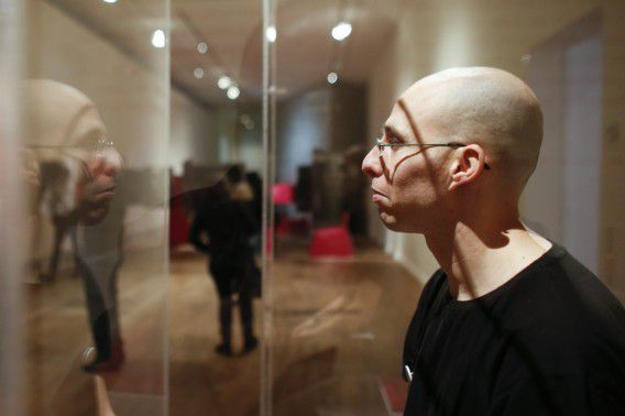 De Israëlische Ido Porat was de eerste Jood die zichzelf tentoonstelde in de vitrine van het museum in Berlijn vorige week.