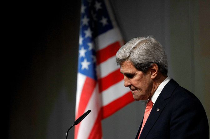 John Kerry tijdens zijn persconferentie na afloop van de afgebroken gesprekken met Iran.