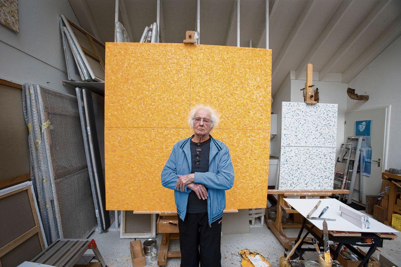 Jan Wolkers in zijn atelier in 2007.