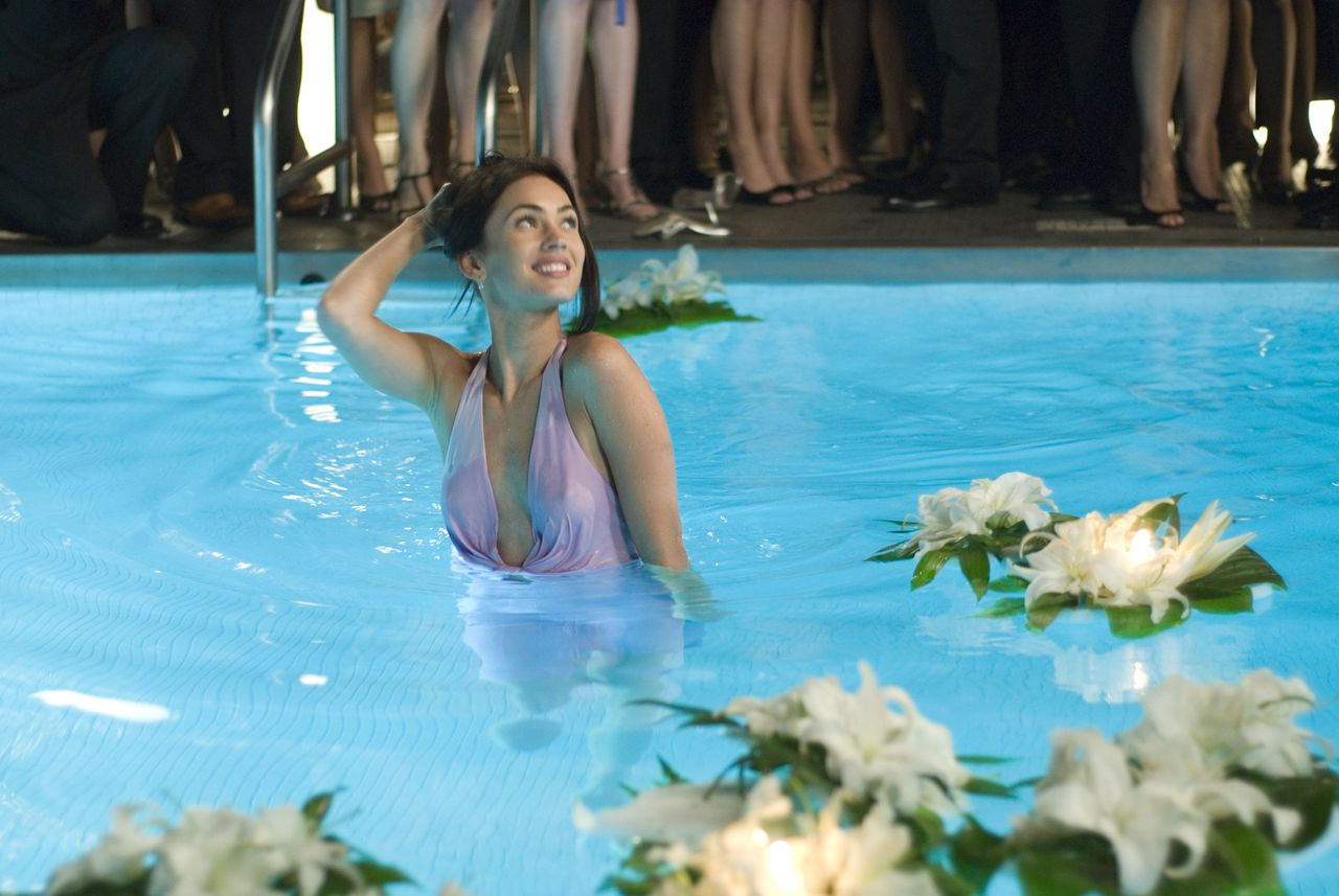 scene uit de film How to Lose Friends & Alienate People (2008) FOTO: RCV Megan Fox