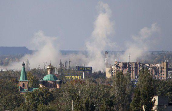 Een woonwijk vlak bij het vliegveld van Donetsk waar zwaar gevochten wordt.