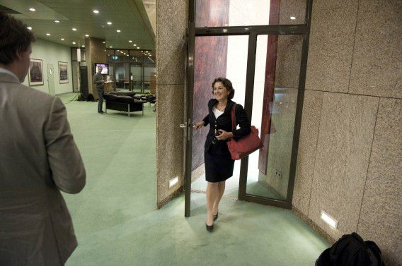 Den Haag : 15 september 2011 Staatssecretaris van Volksgezondheid Veldhuijzen van Zanten, na afloop van het debat over het PGB. foto © Roel Rozenburg