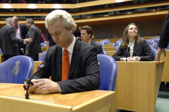 Nederland, Den Haag, 13 december 2006 Geert Wilders en Fleur Agema PVV, Partij voor de vrijheid Spoeddebat met Verdonk over het stopzetten van uitzetten Asielzoekers. foto: Peter Hilz