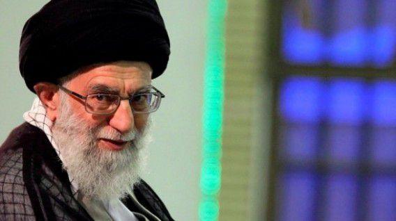 De Opperste leider Ali Khamenei tijdens de verkiezingen van vorig jaar maart.