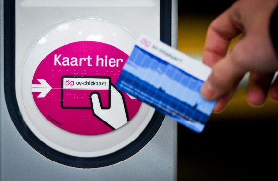 Een kaartlezer voor de ov-chipknip op een NS-station. De reisgegevens van een anonieme ov-chipkaart zijn eenvoudig in te zien.