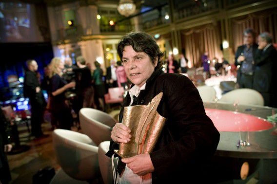 Doeschka Meijsing in 2008 na het winnen van de AKO Literatuurprijs. Foto NRC / Merlin Daleman