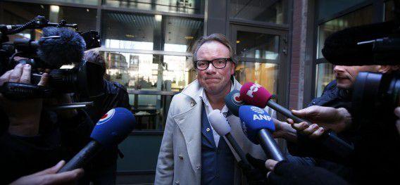 Advocaat Jan Vlug staat de pers te woord na de voorgeleiding van Jasper S.