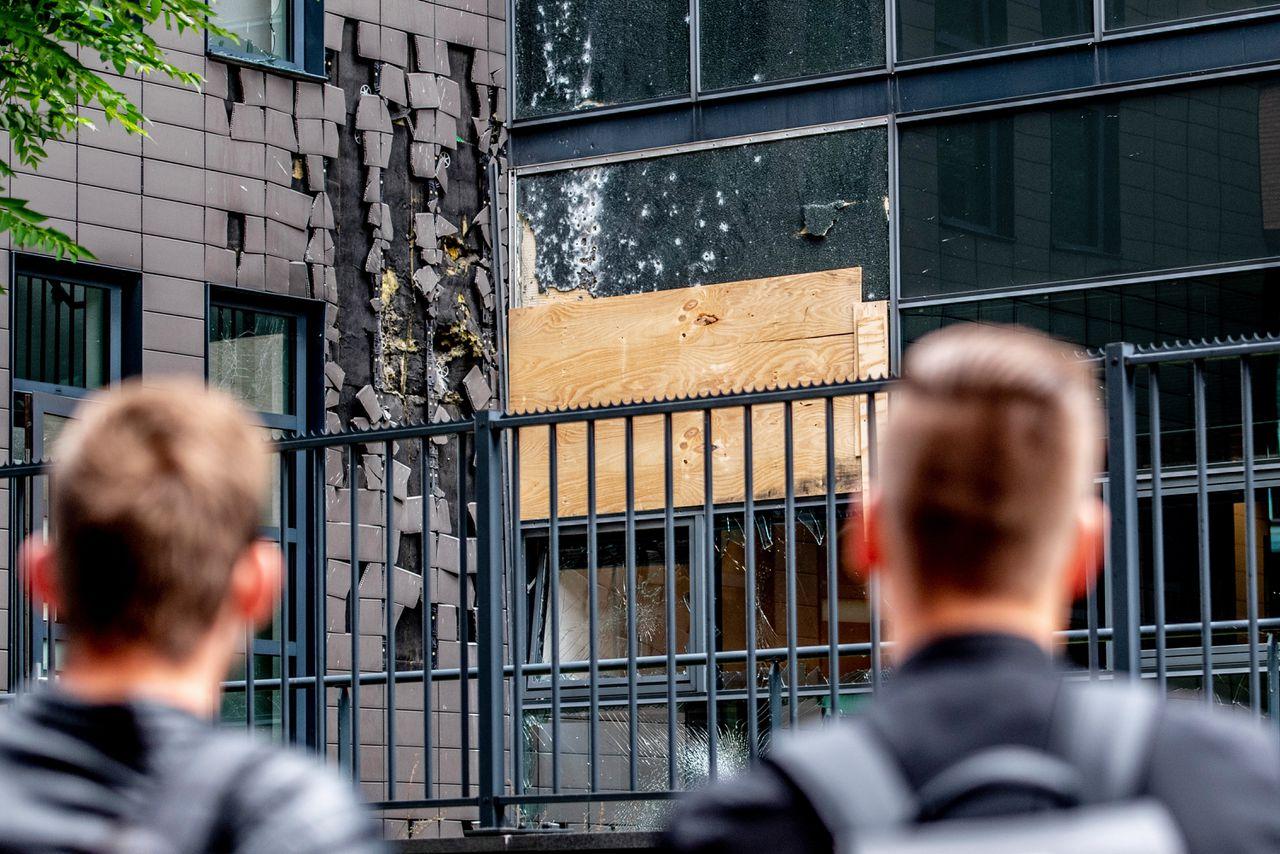 Het kantoorpand van tijdschriften Panorama en Nieuwe Revu werd in juni 2018 beschoten met een antitankwapen. Na de aanslag zijn er zwaardere straffen ingevoerd voor bedreigingen en geweld tegen journalisten.