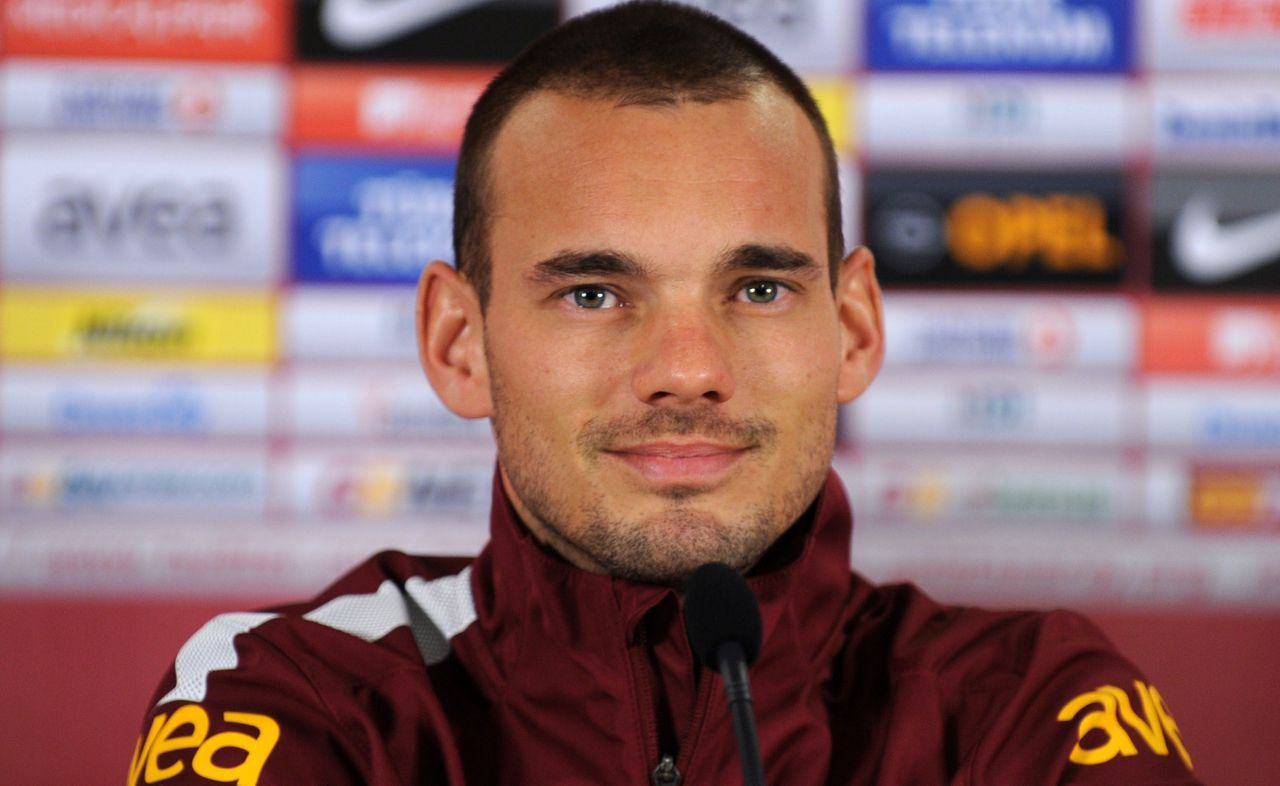 """Dutch footballer Wesley Sneijder speaks during a signing ceremony in Istanbul on January 22, 2013. Sneijder said Monday he was """"very happy"""" to put his protracted departure from Inter Milan behind him as he left Serie A for Turkish giants Galatasaray on Monday. AFP PHOTO/BULENT KILIC"""